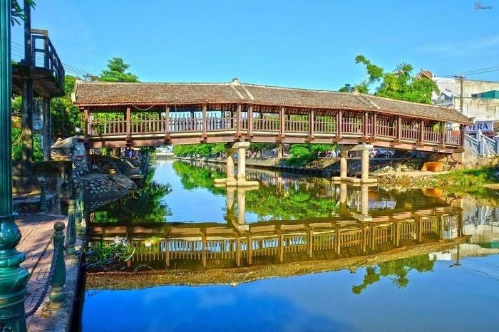 Những cây cầu ngói cổ kính trong kiến trúc Việt.01