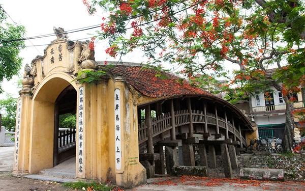 Những cây cầu ngói cổ kính trong kiến trúc Việt.02