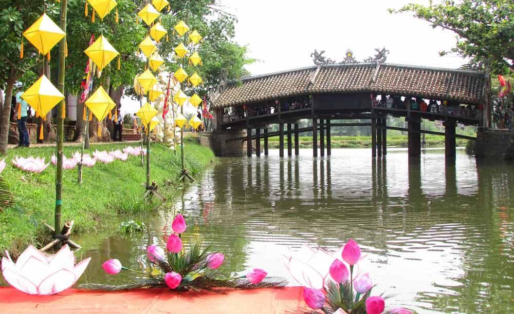 Những cây cầu ngói cổ kính trong kiến trúc Việt.03