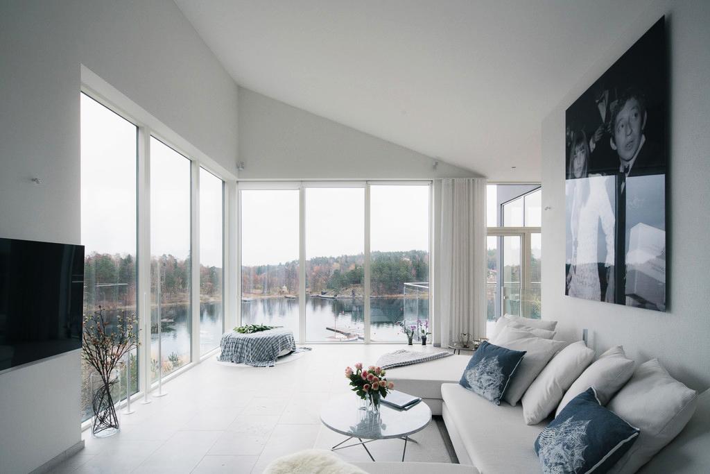 Căn Villa hiện đại có tầm nhìn đẹp ra biển - Ảnh 03