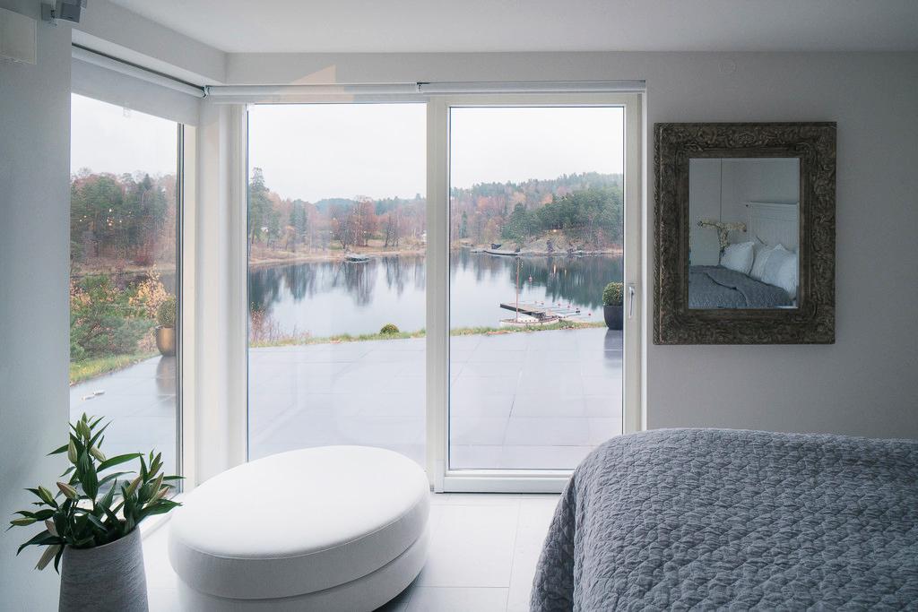 Căn Villa hiện đại có tầm nhìn đẹp ra biển - Ảnh 05