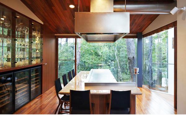 Không gian xanh ôm trọn thiết kế nhà đẹp. Ảnh 04