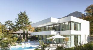 Ngôi biệt thự thanh lịch với màu trắng chủ đạo - Hình ảnh kiến trúc 01