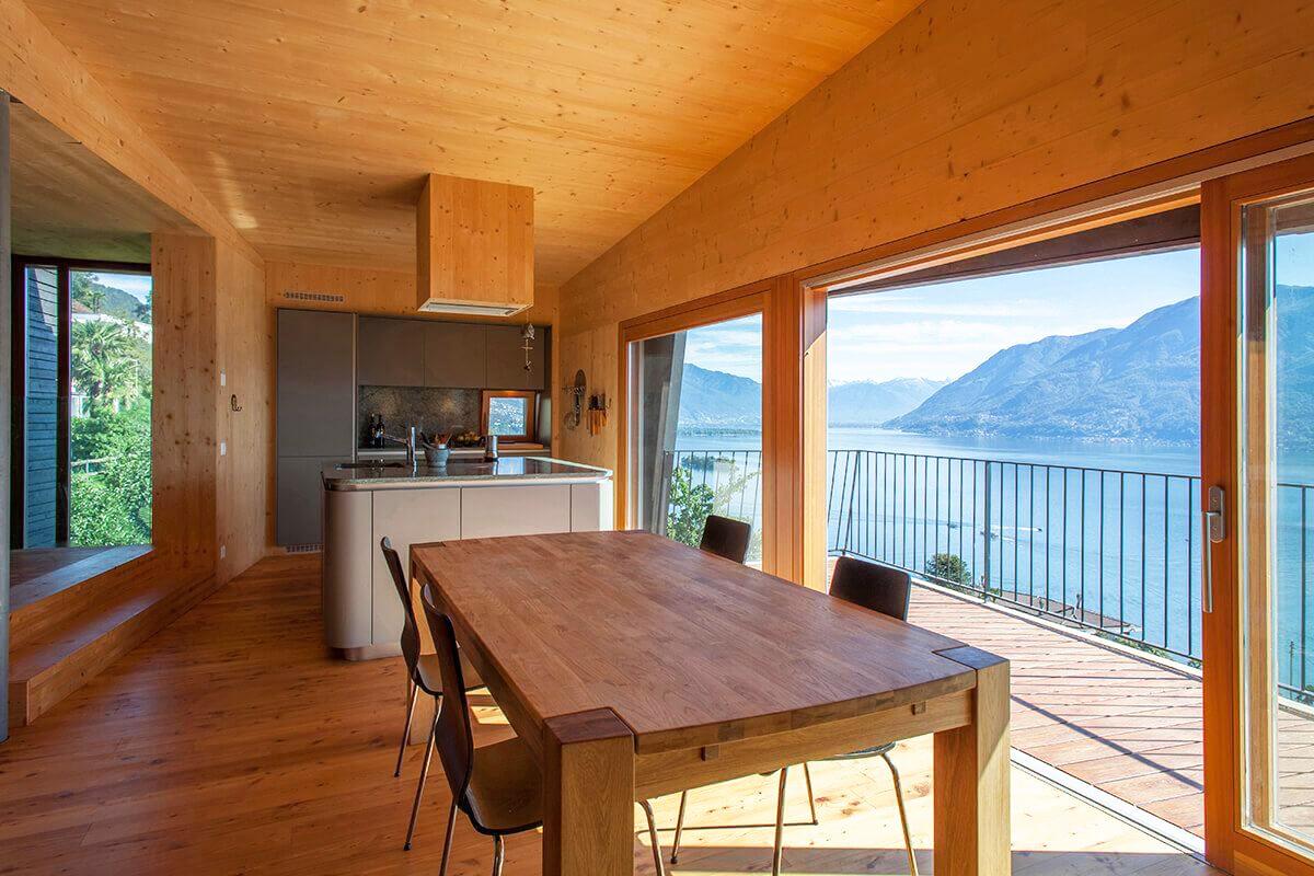 Kiến trúc nhà đẹp hiện đại 2 tầng có góc nhìn đẹp ra hồ - Ảnh 04