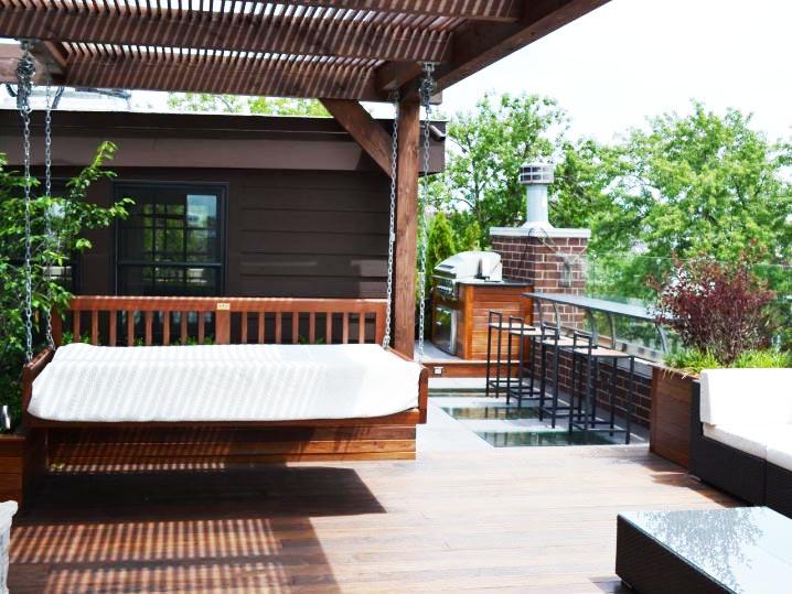 Trang trí góc thư giãn sân vườn với ghế sofa.8