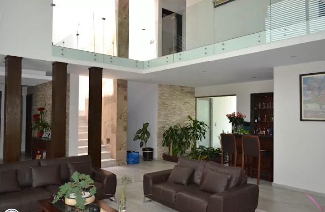 Biệt thự 2 tầng mặt tiền 10m đẹp hiện đại. 3