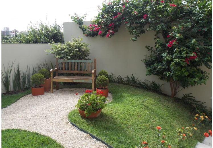 Thiết kế sân vườn xanh mướt giảm nhiệt mùa hè