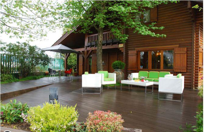 Mẫu thiết kế nhà đẹp bằng gỗ ấn tượng. 1