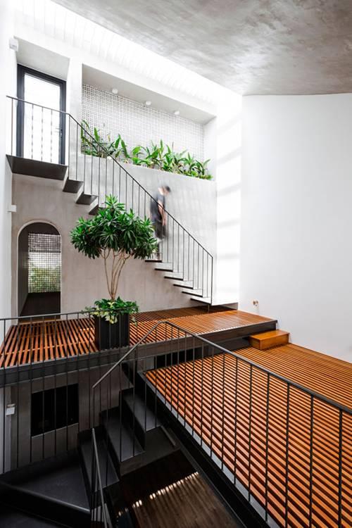 Nhà ống 3 tầng thiết kế tràn ngập ánh sáng được báo Mỹ ca ngợi. 2