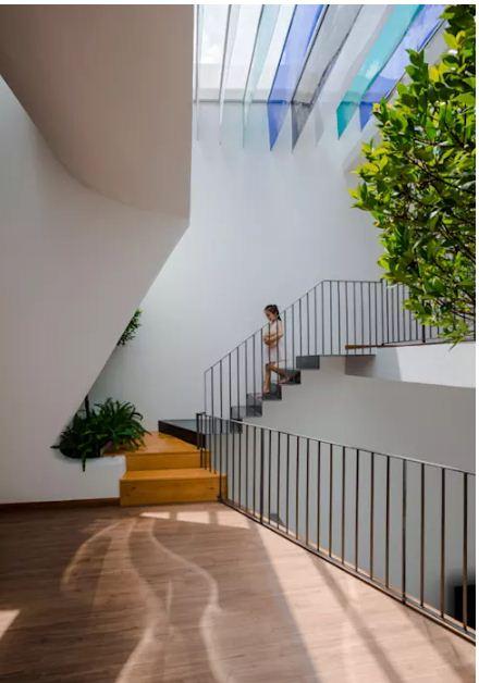 Nhà lệch tầng lấy sáng với thiết kế độc đáo. 4