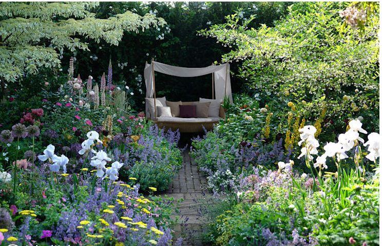 Những mẫu ghế hoàn hảo cho khu vườn của bạn. 6