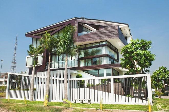 Mẫu thiết kế biệt thự 3 tầng ấn tượng kết hợp cảnh quan sân vườn 1