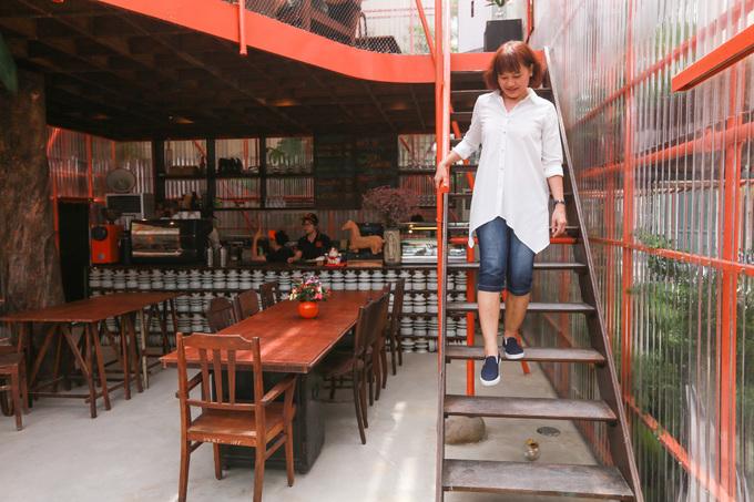 Độc đáo quán cafe làm từ giàn giáo. 3